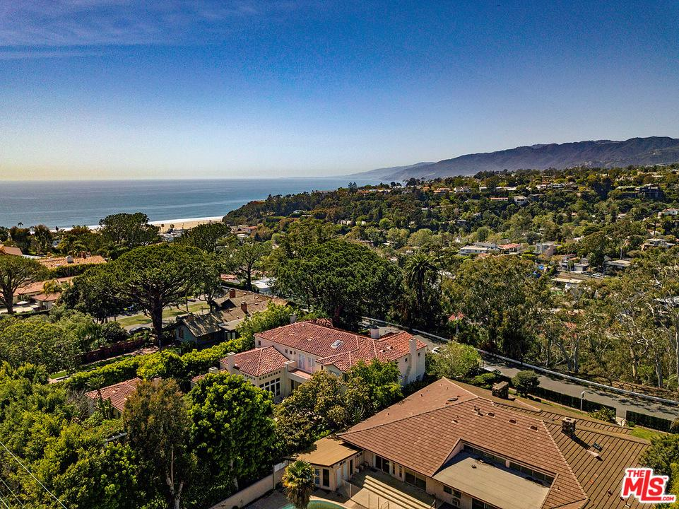 Photo of 430 ADELAIDE Drive, Santa Monica, CA 90402