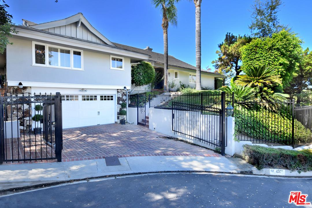 Photo of 4371 CLEAR VALLEY Drive, Encino, CA 91436