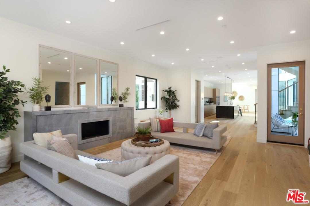 Photo of 639 SANTA CLARA AVE, Venice, CA 90291