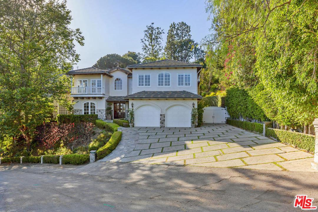 Photo of 1348 MARINETTE RD, Pacific Palisades, CA 90272