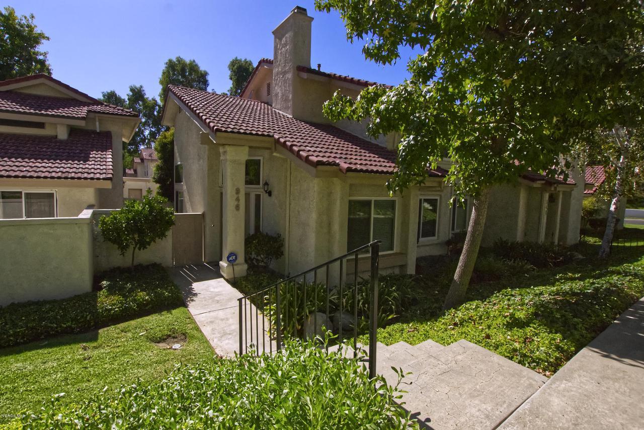 Photo of 946 QUARTERHORSE LANE, Oak Park, CA 91377