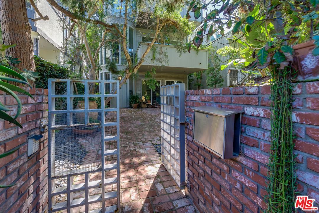 Photo of 16 WESTWIND ST, Marina Del Rey, CA 90292
