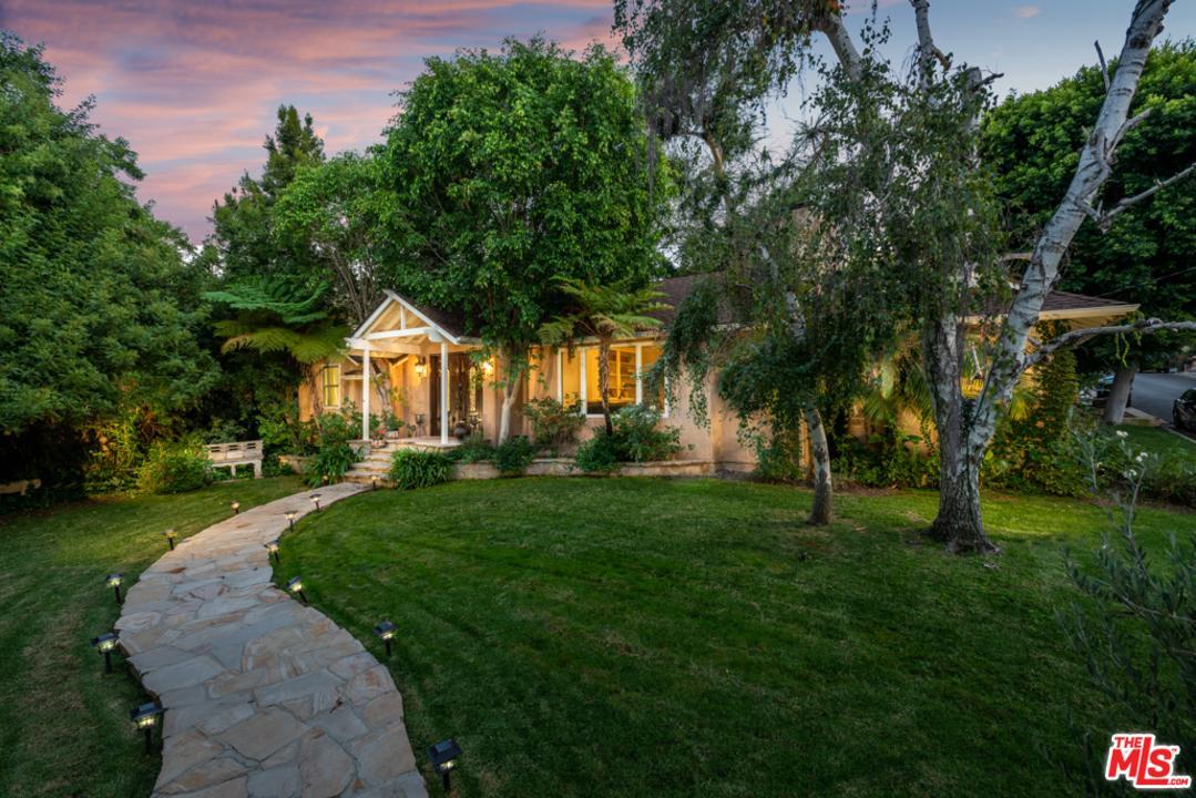 Photo of 14704 VALLEY VISTA, Sherman Oaks, CA 91403