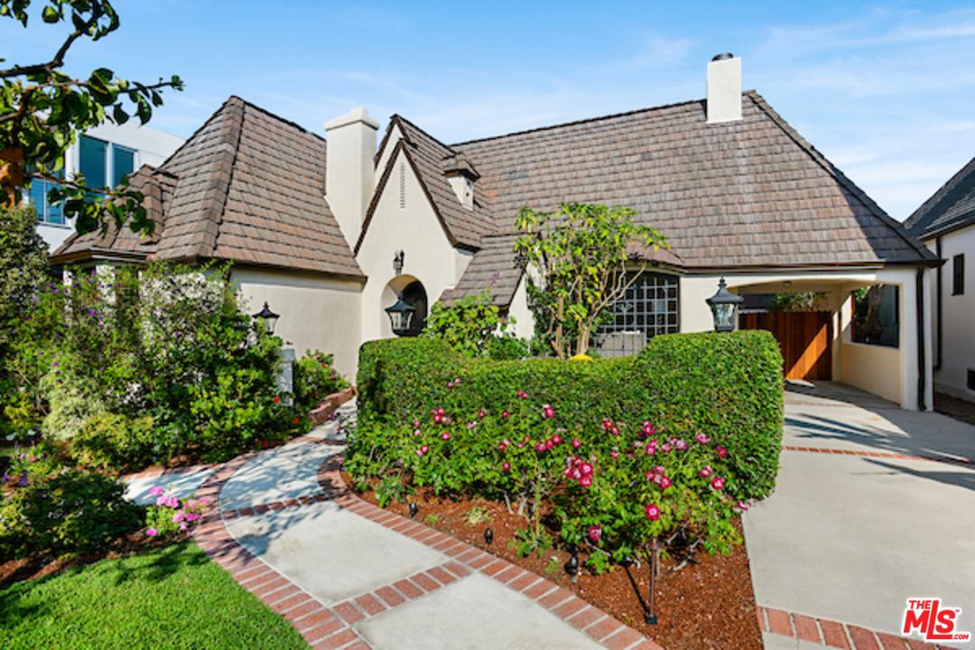 Photo of 352 S SWALL DR, Beverly Hills, CA 90211