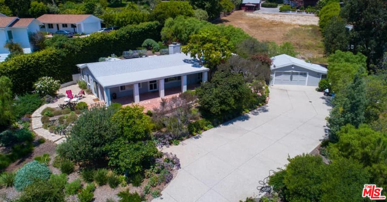 Photo of 28901 BONIFACE DR, Malibu, CA 90265
