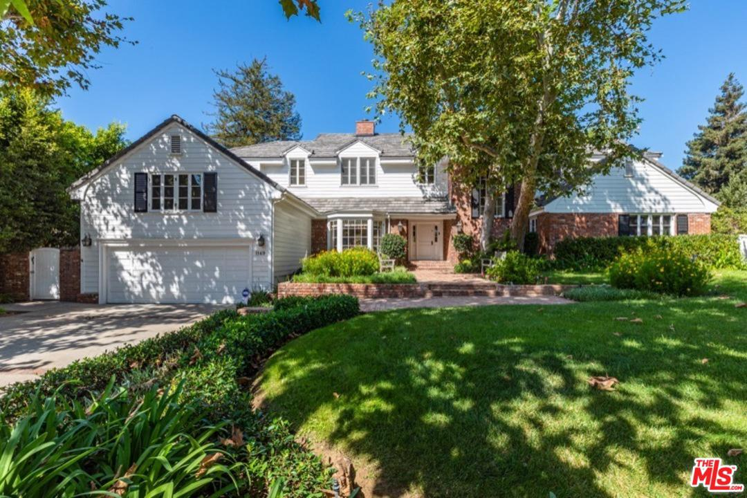 Photo of 1149 NAPOLI DR, Pacific Palisades, CA 90272