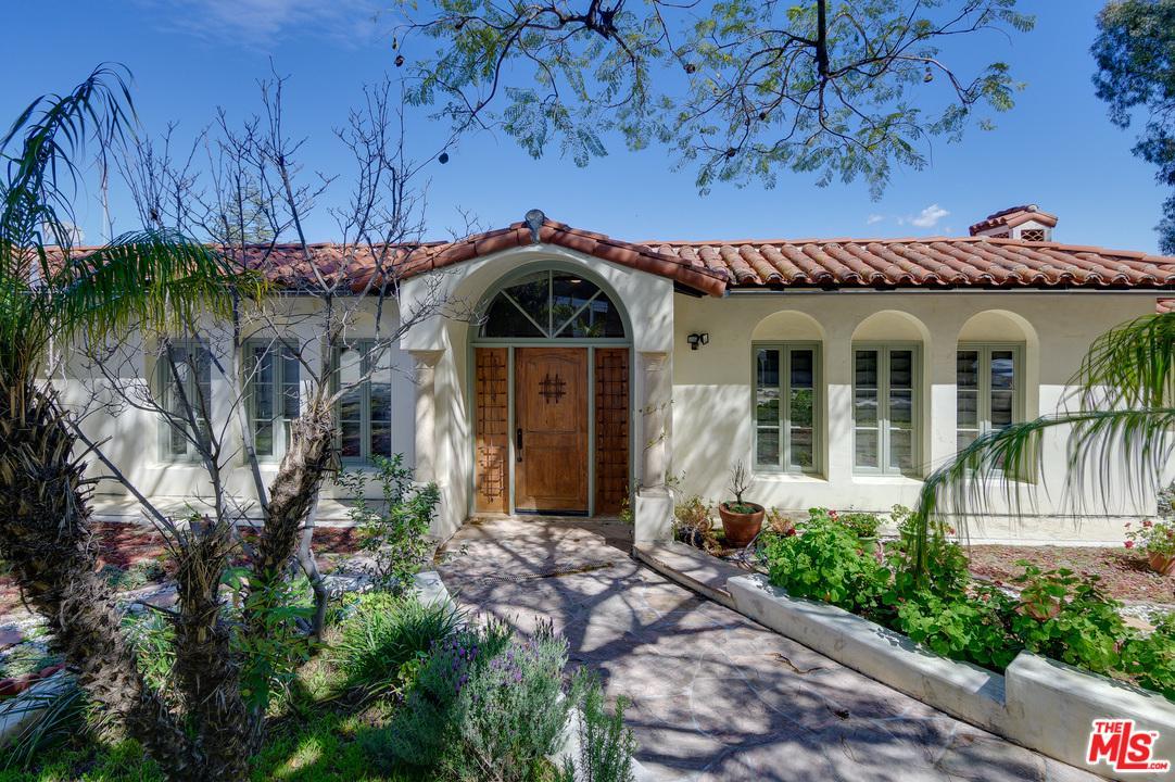 Photo of 3623 DIXIE CANYON Avenue, Sherman Oaks, CA 91423
