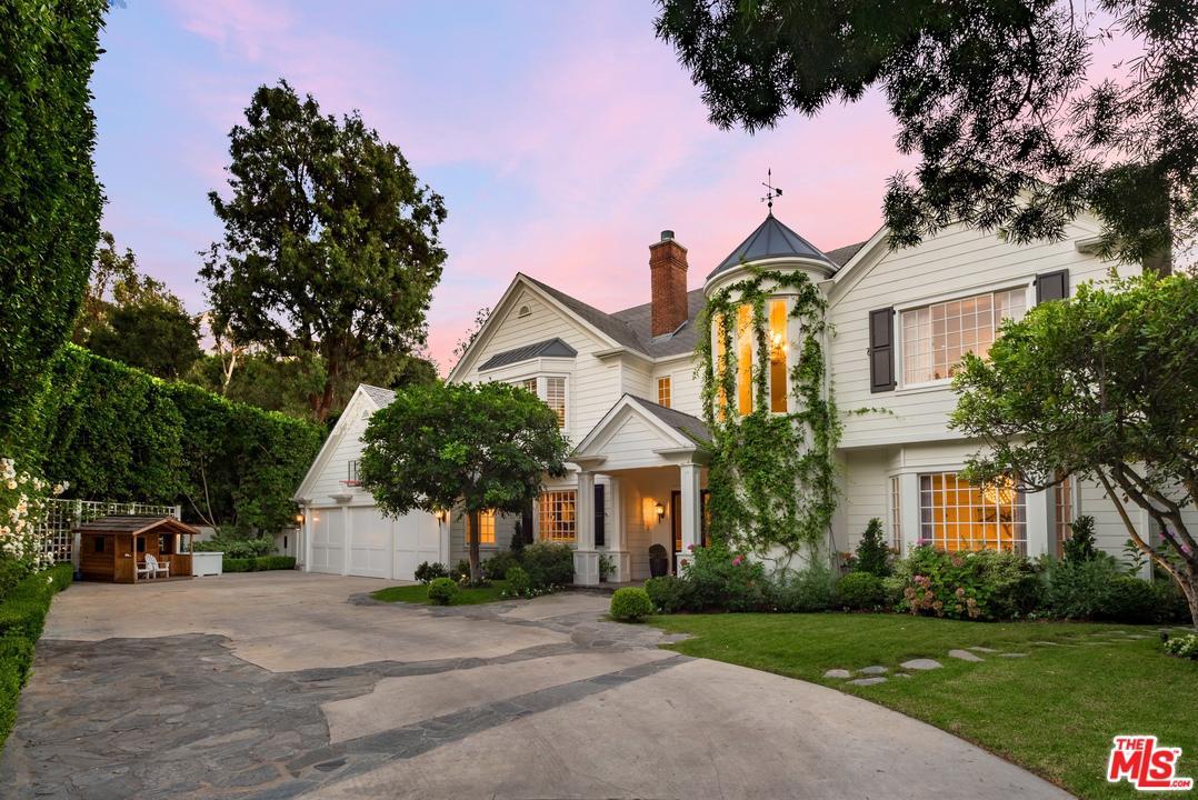 Photo of 12097 SUMMIT Circle, Beverly Hills, CA 90210
