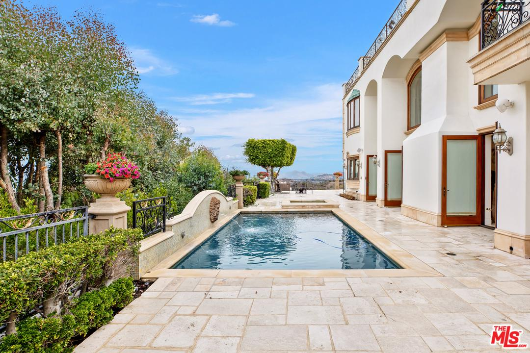 Photo of 13319 MULHOLLAND Drive, Beverly Hills, CA 90210