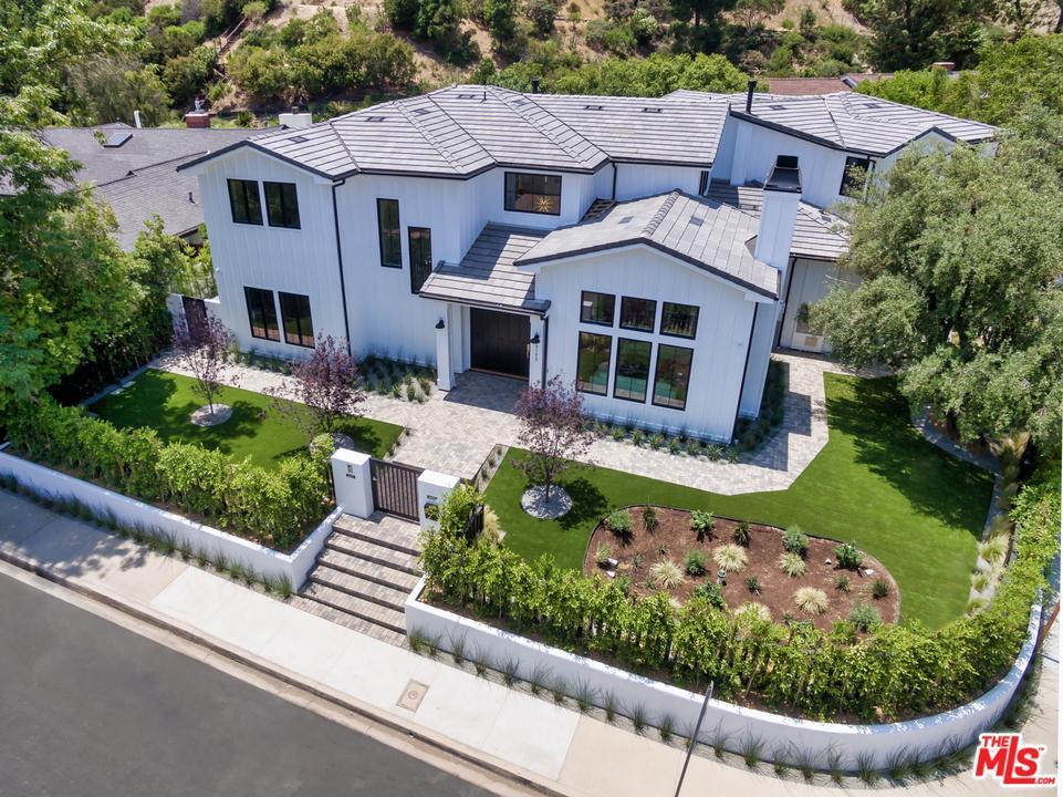Photo of 17173 STRAWBERRY Drive, Encino, CA 91436