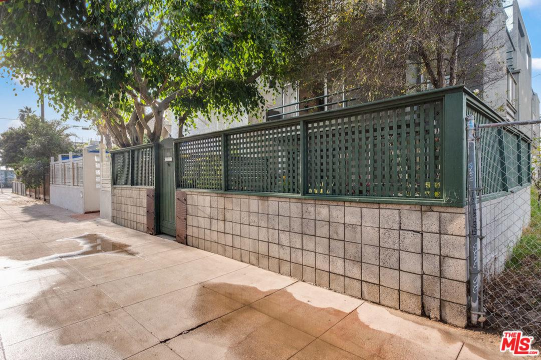 Property for sale at 21 1/2 WAVECREST AVE, Venice,  CA 90291