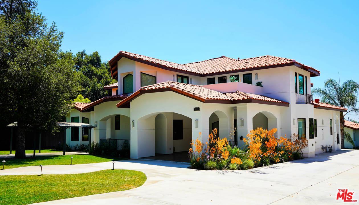 Photo of 460 E SACRAMENTO ST, Altadena, CA 91001