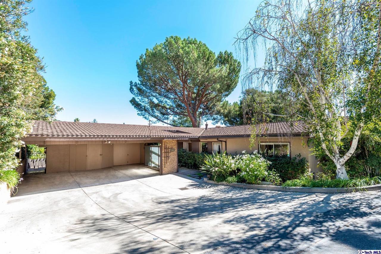 2301 CHAPMAN Road, La Crescenta, CA 91214
