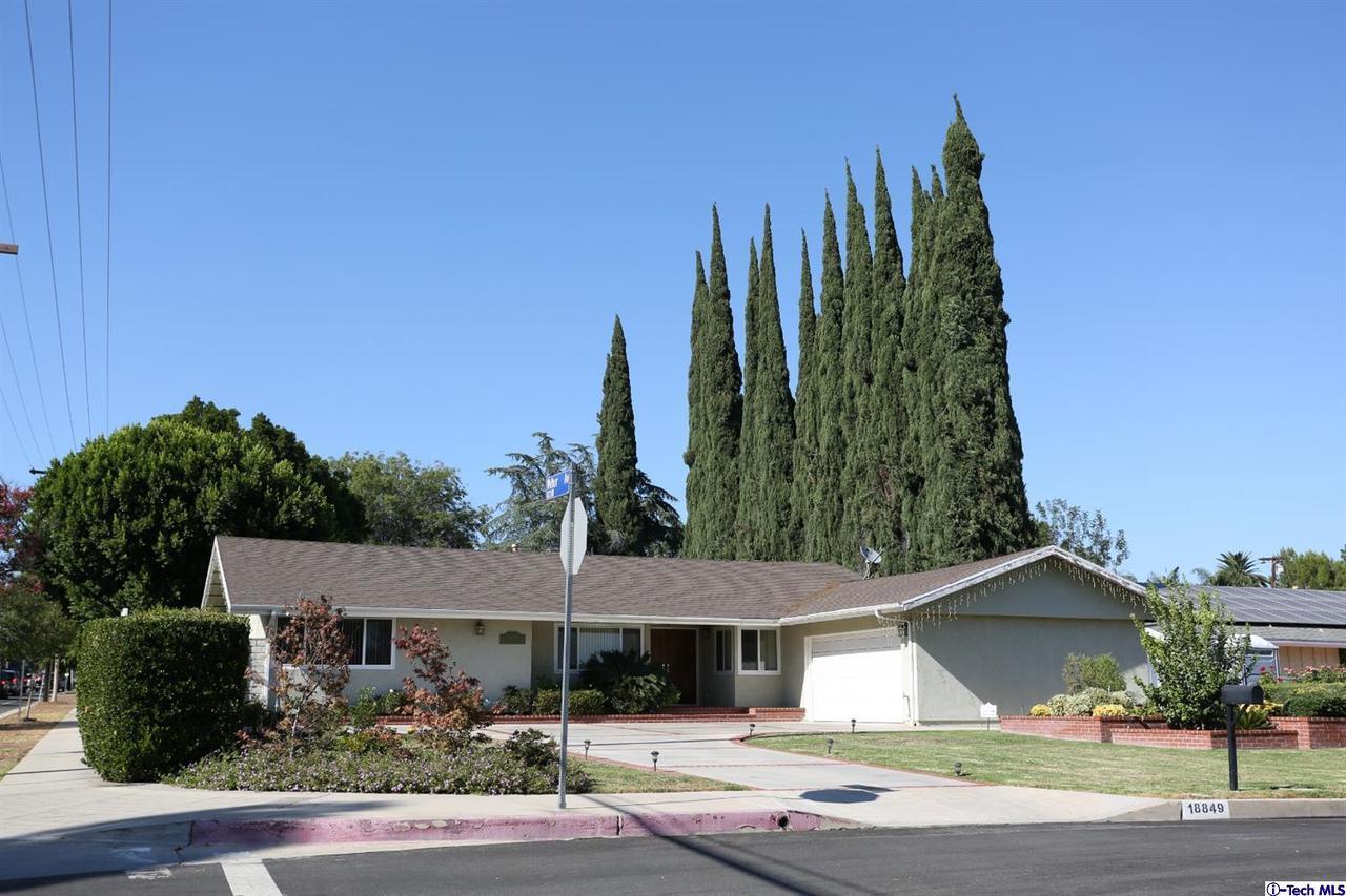 Photo of 18849 TUBA Street, Northridge, CA 91324