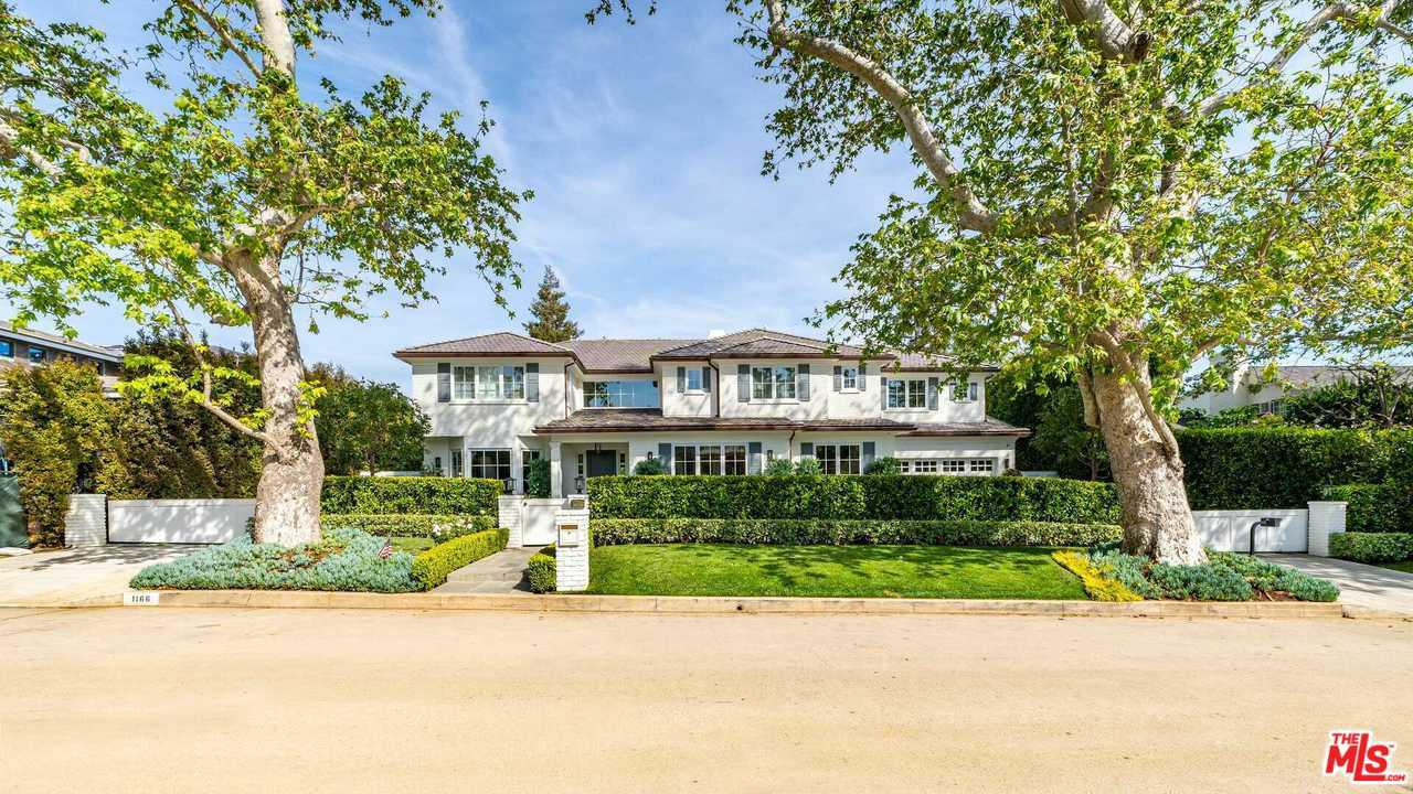 Photo of 1166 CORSICA DR, Pacific Palisades, CA 90272