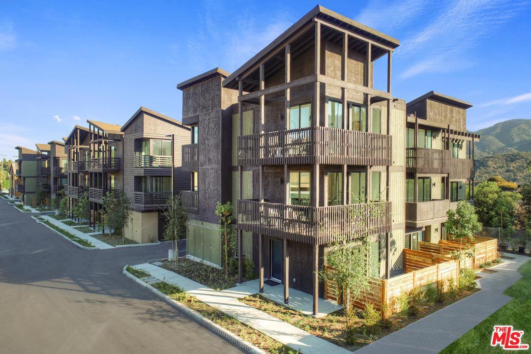 4201 PENNSYLVANIA Avenue, J2, La Crescenta, CA 91214