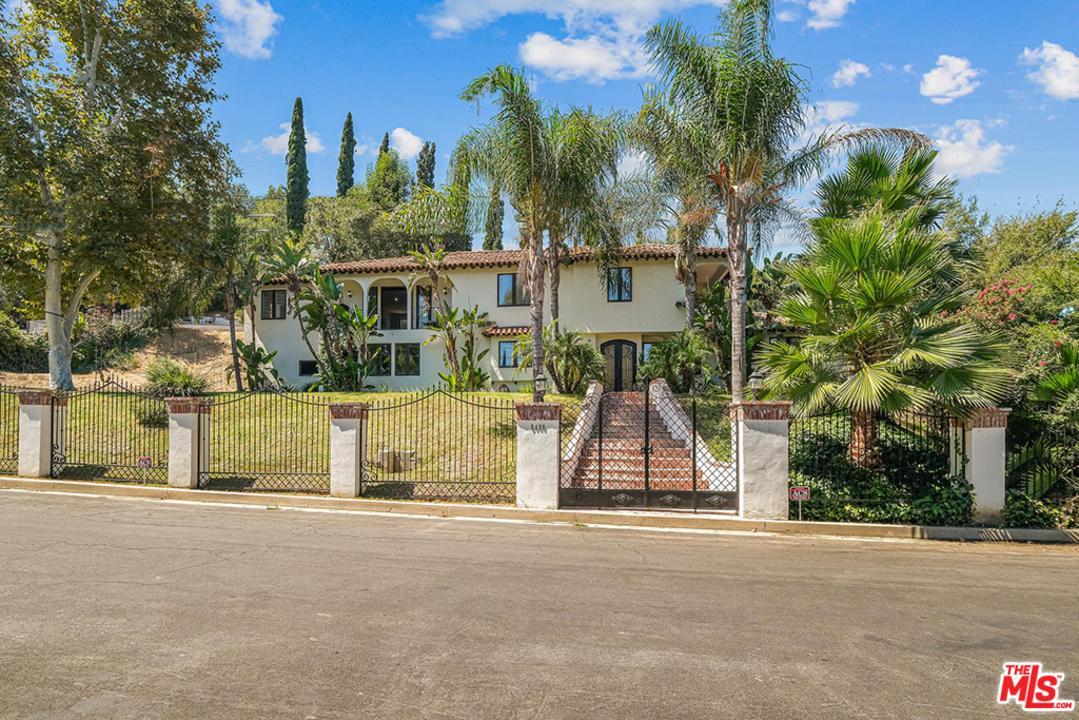 Photo of 5459 LUBAO Avenue, Woodland Hills, CA 91364