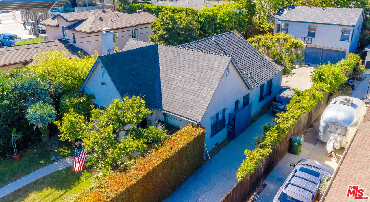 Photo of 3257 CASTLE HEIGHTS Avenue, Los Angeles, CA 90034
