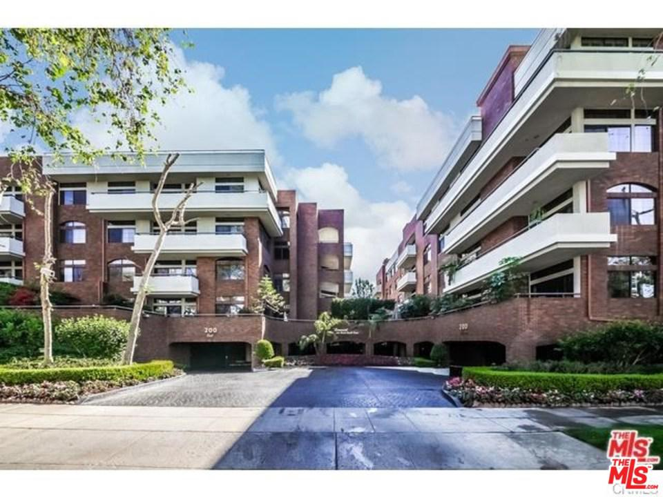 Photo of 200 North SWALL Drive #454, Beverly Hills, CA 90211