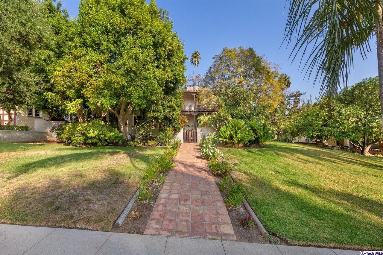 1724 BEN LOMOND Drive, Glendale, CA 91202