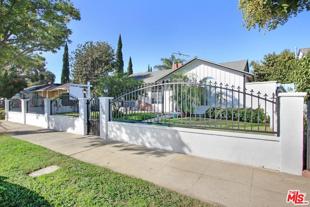 Photo of 7843 LOUISE Avenue, Northridge, CA 91325