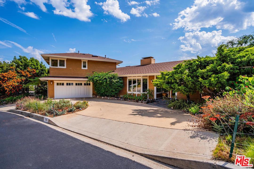 Photo of 1243 LAS LOMAS Avenue, Pacific Palisades, CA 90272