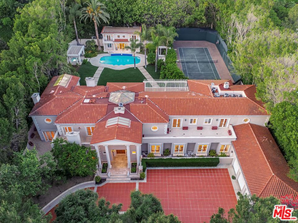 Photo of 407 ROBERT Lane, Beverly Hills, CA 90210