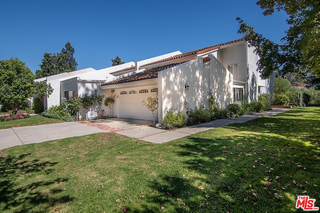 Photo of 2648 CLARAY Drive, Los Angeles, CA 90077
