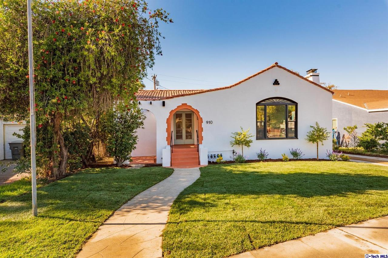910 PATTERSON Avenue, Glendale, CA 91202