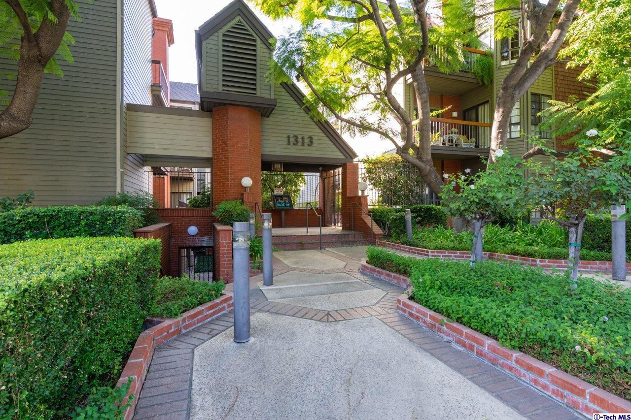 1313 VALLEY VIEW Road, 109, Glendale, CA 91202