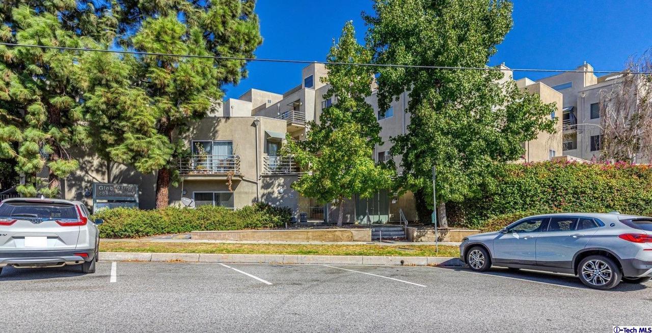 2915 MONTROSE Avenue, 425, La Crescenta, CA 91214