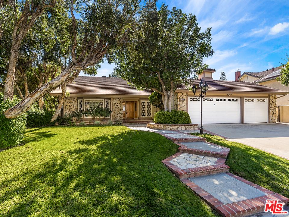 Photo of 18124 GUILDFORD Lane, Northridge, CA 91326