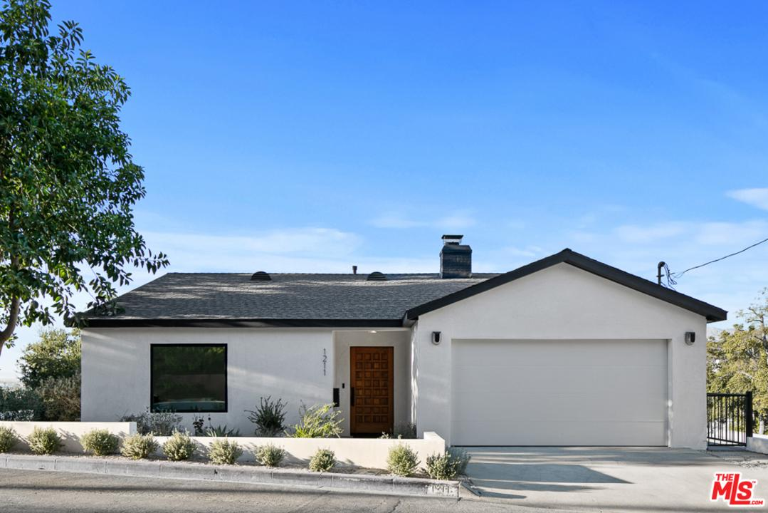 1211 PRINCETON Drive, Glendale, CA 91205