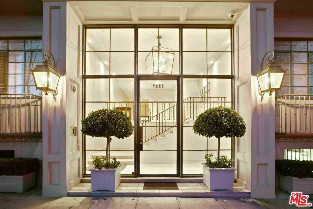 Photo of 9601 CHARLEVILLE #5, Beverly Hills, CA 90212
