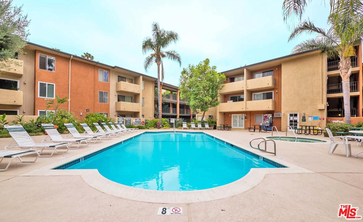 Photo of 15425 SHERMAN Way #102, Van Nuys, CA 91406