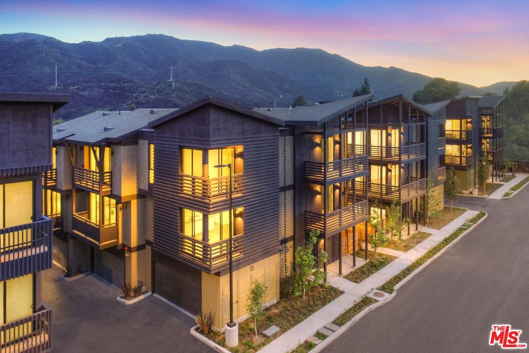 4201 PENNSYLVANIA Avenue, H2, La Crescenta, CA 91214
