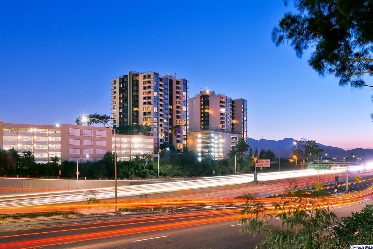 343 PIONEER Drive, 403, Glendale, CA 91203