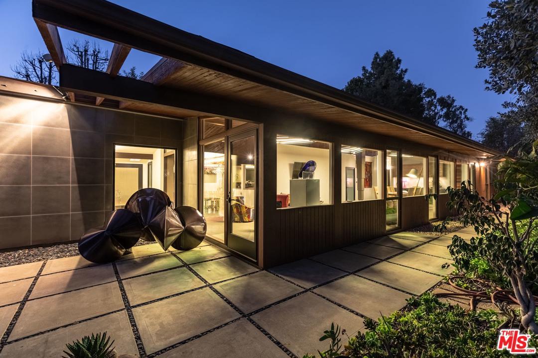 Photo of 2718 CLARAY Drive, Los Angeles, CA 90077