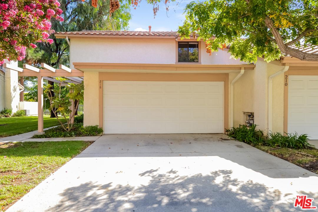 Photo of 218 MARIPOSA Drive, Newbury Park, CA 91320
