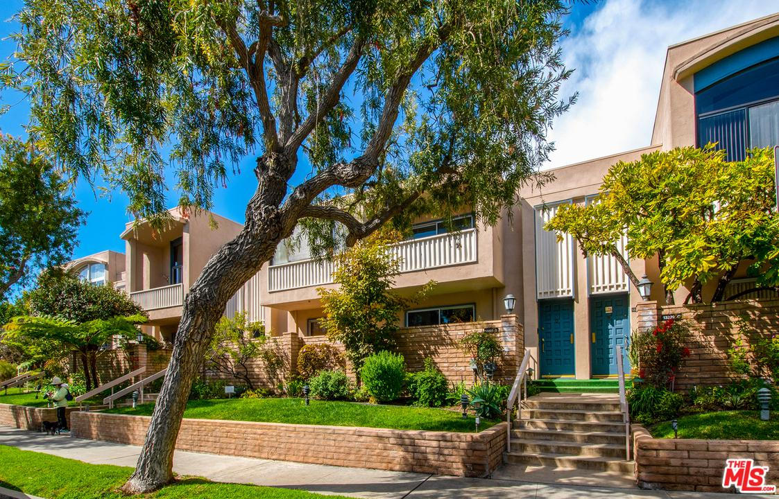 Photo of 13229 FIJI Way #D, Marina Del Rey, CA 90292