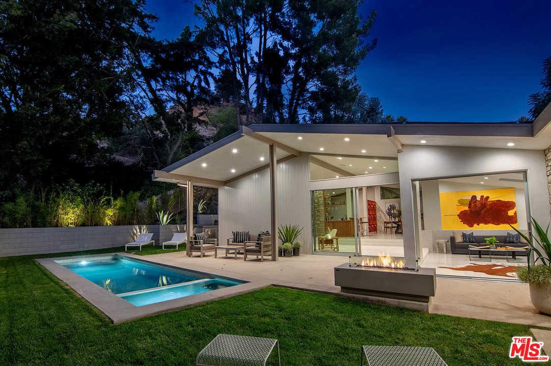 Photo of 9563 GLOAMING Drive, Beverly Hills, CA 90210