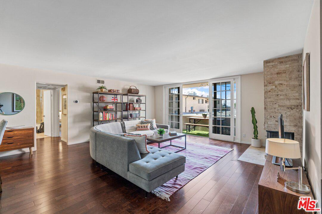 Photo of 1233 AMHERST Avenue #206, Los Angeles, CA 90025