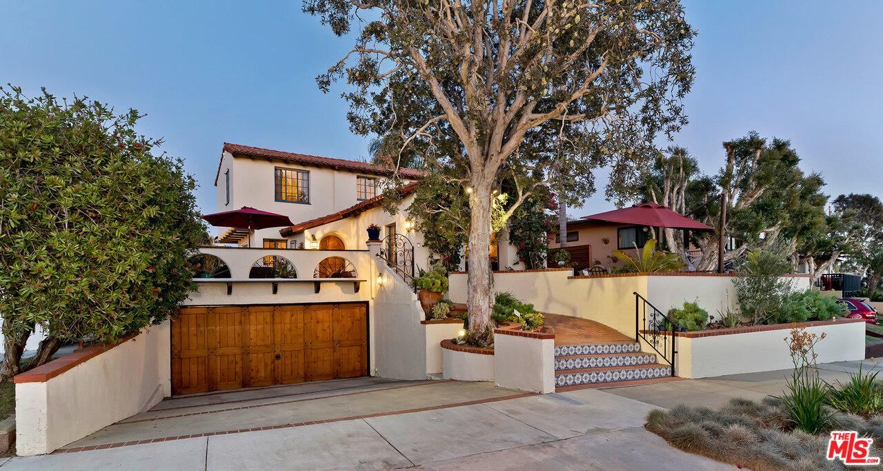 Photo of 8324 DELGANY Avenue, Playa Del Rey, CA 90293