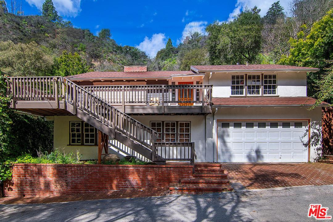 Photo of 9699 YOAKUM Drive, Beverly Hills, CA 90210