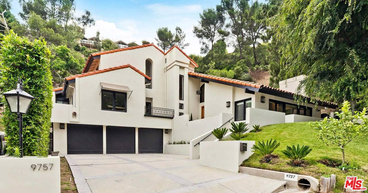 Photo of 9757 APRICOT Lane, Beverly Hills, CA 90210