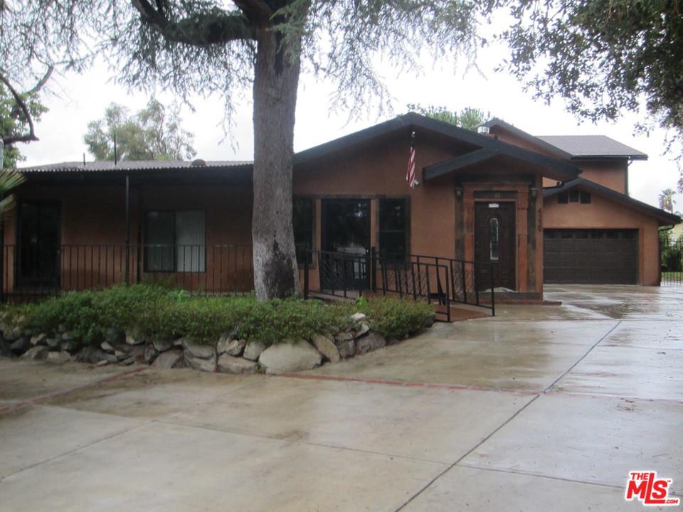 4339 BRIGGS Avenue, Montrose, CA 91020