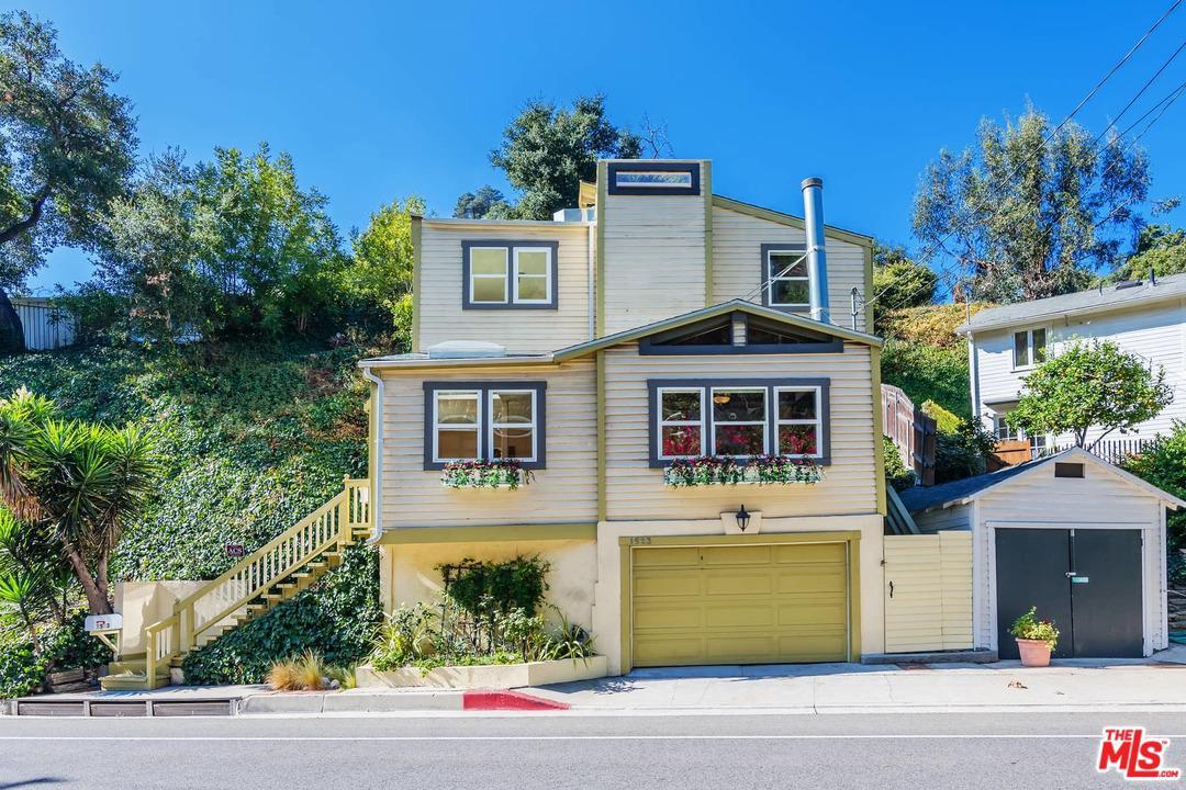 Photo of 1523 North BEVERLY GLEN Boulevard, Los Angeles, CA 90077