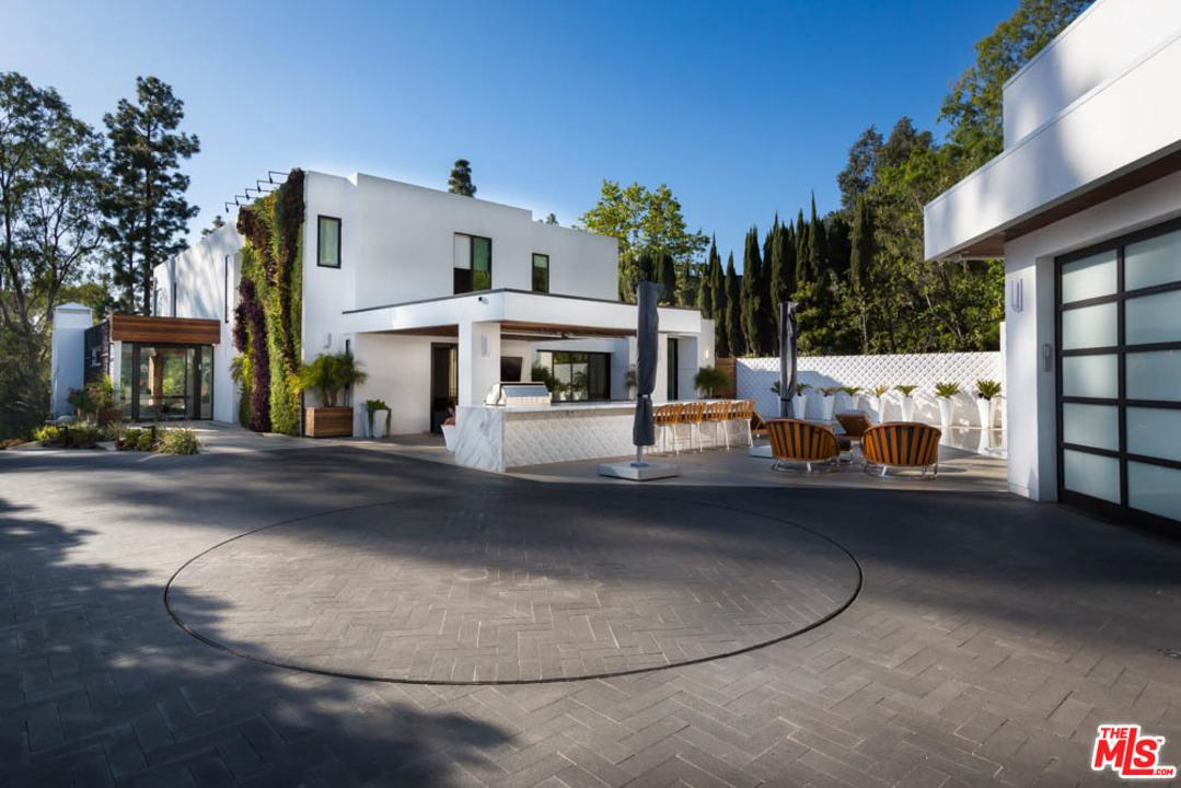 Photo of 1060 WOODLAND Drive, Beverly Hills, CA 90210