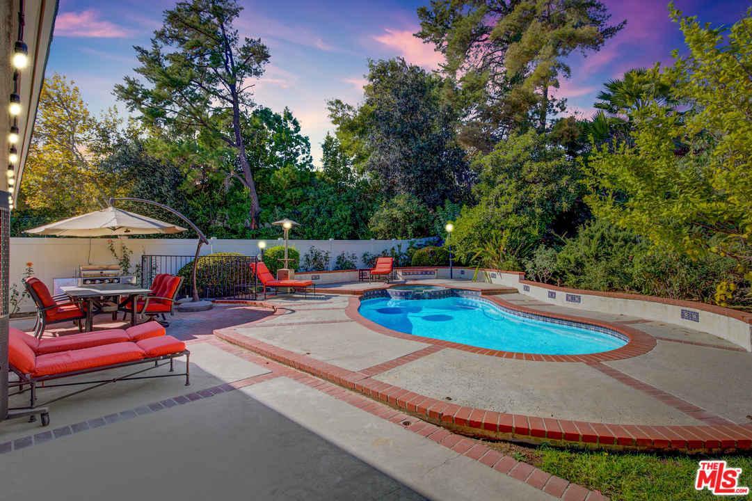 5356 OVERING Drive, Woodland Hills, CA 91367