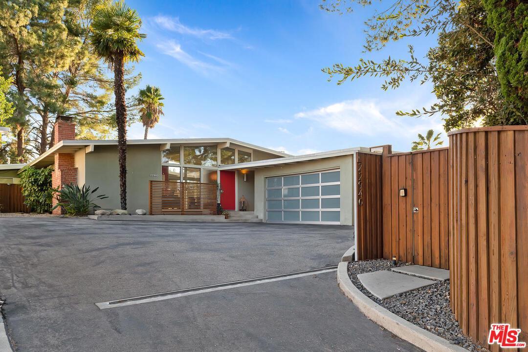 22940 CRESPI Street, Woodland Hills, CA 91364